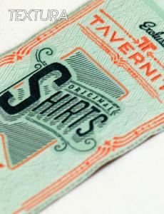 Etiquetas con textura que realzan la marca y aportan diseño.